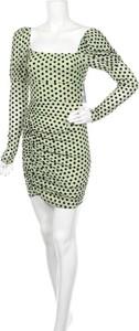 Zielona sukienka NaaNaa z okrągłym dekoltem z długim rękawem