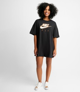 Czarna sukienka Nike z okrągłym dekoltem z bawełny w sportowym stylu
