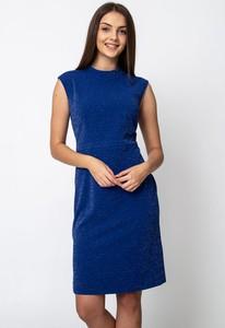 Niebieska sukienka QUIOSQUE ołówkowa mini