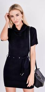 Czarna sukienka Zoio mini z golfem z dzianiny
