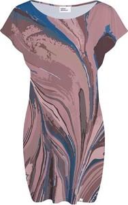 Sukienka COLOUR PLEASURE dopasowana