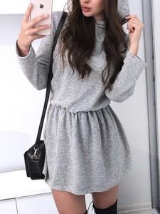 Sukienka Elegrina mini z długim rękawem