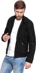 Czarna kurtka Wrangler w stylu casual z zamszu