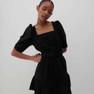 Czarna sukienka Reserved w stylu casual z dekoltem w kształcie litery v