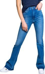 Jeansy Guess z bawełny w street stylu