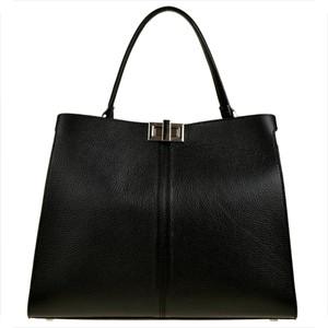 Czarna torebka Borse in Pelle w wakacyjnym stylu duża ze skóry