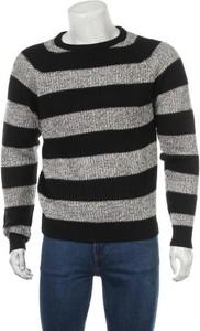 Sweter Inside z okrągłym dekoltem w młodzieżowym stylu