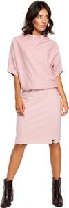 Różowa sukienka Be midi