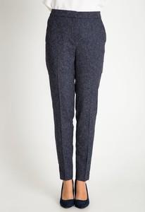 Granatowe spodnie QUIOSQUE w stylu klasycznym