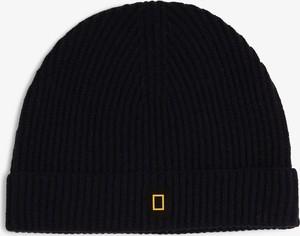 Granatowa czapka National Geographic