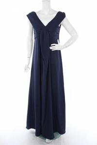 Granatowa sukienka Slacks & Co. rozkloszowana maxi z krótkim rękawem