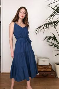 Sukienka Trendyol w stylu casual rozkloszowana na ramiączkach