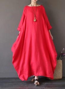 Czerwona sukienka Arilook w stylu boho oversize maxi