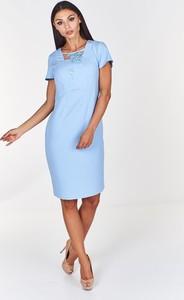 Sukienka Fokus dopasowana midi z krótkim rękawem