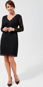 Sukienka Moodo z długim rękawem