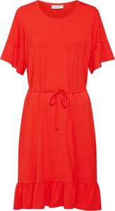 Czerwona sukienka ModstrÖm w stylu casual midi z krótkim rękawem