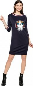 Granatowa sukienka L'AF oversize z dresówki z dekoltem w łódkę