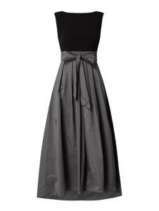 Sukienka Swing rozkloszowana bez rękawów