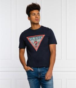 Czarny t-shirt Guess w młodzieżowym stylu
