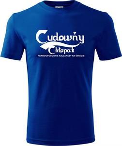 Niebieski t-shirt TopKoszulki.pl w młodzieżowym stylu z bawełny z krótkim rękawem