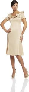 Sukienka Fokus dla puszystych z tkaniny midi