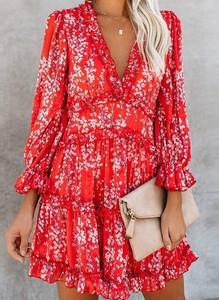 Czerwona sukienka Sandbella z dekoltem w kształcie litery v w stylu boho z długim rękawem