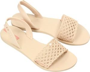 Sandały Ipanema z klamrami