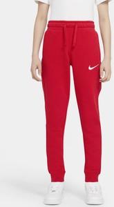Czerwone spodnie dziecięce Nike dla chłopców