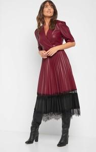Sukienka ORSAY ze skóry ekologicznej z krótkim rękawem