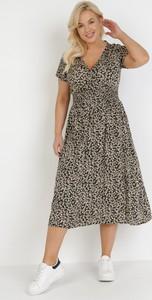 Sukienka born2be z dekoltem w kształcie litery v w stylu casual trapezowa
