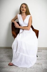 Sukienka Olika z dekoltem w kształcie litery v bez rękawów maxi