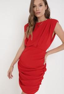 Czerwona sukienka born2be z krótkim rękawem