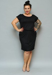 Sukienka KARKO z dresówki z krótkim rękawem midi