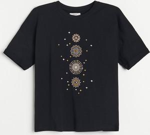 Bluzka Reserved z nadrukiem w młodzieżowym stylu z okrągłym dekoltem