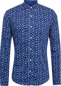 Niebieska koszula Izod w młodzieżowym stylu z klasycznym kołnierzykiem z długim rękawem