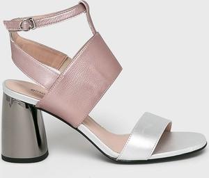 59e06d57b0719 Wielokolorowe buty damskie, kolekcja wiosna 2019