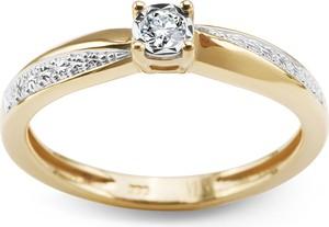 YES Złoty pierścionek z diamentem
