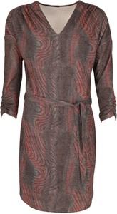 Sukienka Niren w stylu casual z długim rękawem
