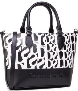 Czarna torebka Desigual w wakacyjnym stylu z nadrukiem