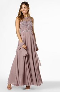Różowa sukienka Unique maxi rozkloszowana