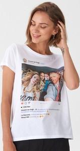 T-shirt House w młodzieżowym stylu z okrągłym dekoltem z nadrukiem