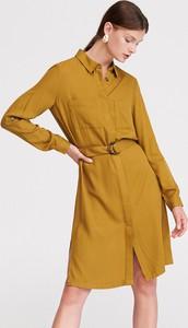 Żółta sukienka Reserved midi w stylu casual z długim rękawem