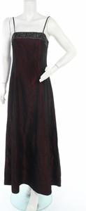 Czerwona sukienka Your Sixth Sense z dekoltem w kształcie litery v maxi