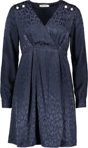 Granatowa sukienka Naf naf z długim rękawem