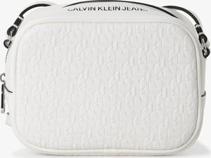 Torebka Calvin Klein w młodzieżowym stylu