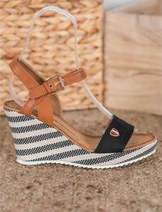 Sandały Good-In z klamrami ze skóry ekologicznej na wysokim obcasie