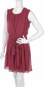 Różowa sukienka Phildar mini z okrągłym dekoltem
