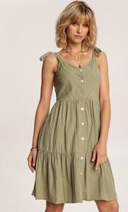 Zielona sukienka Renee na ramiączkach trapezowa w stylu casual
