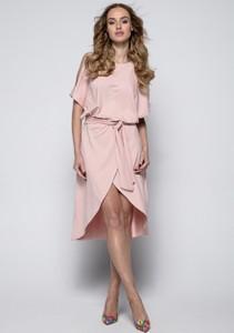 Różowa sukienka Fimfi z okrągłym dekoltem