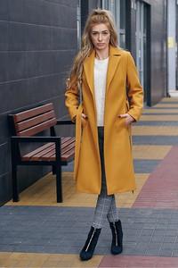 Żółty płaszcz Mattire z wełny w stylu casual